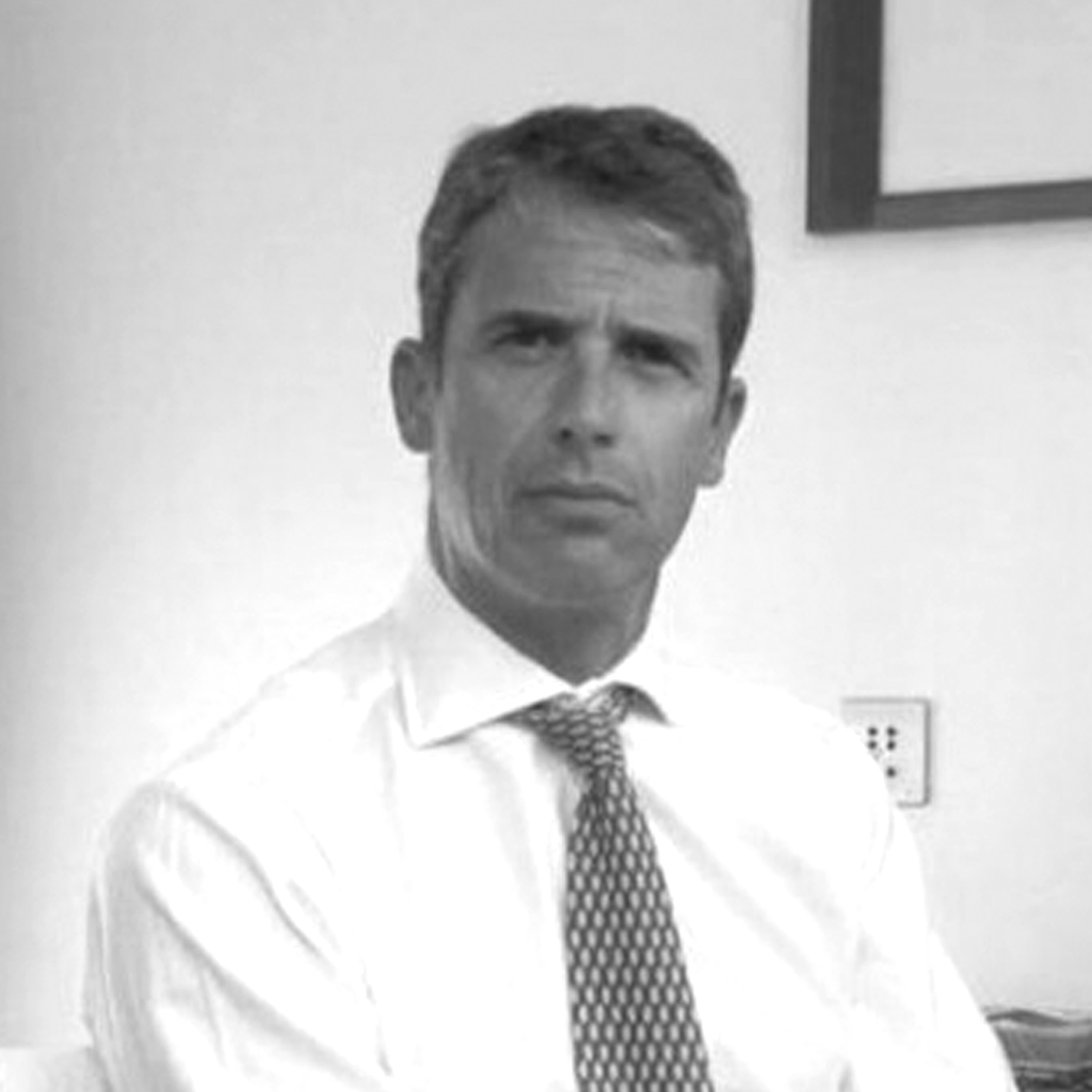 Dr Piers Clifford